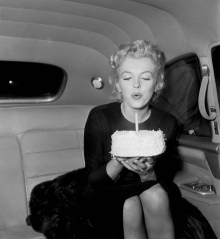 Marilyn Monroe With Cake