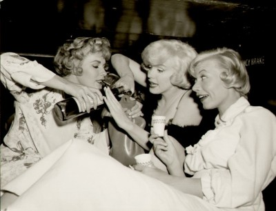 Marilyn Monroe Some Like it Hot Train Party Scene