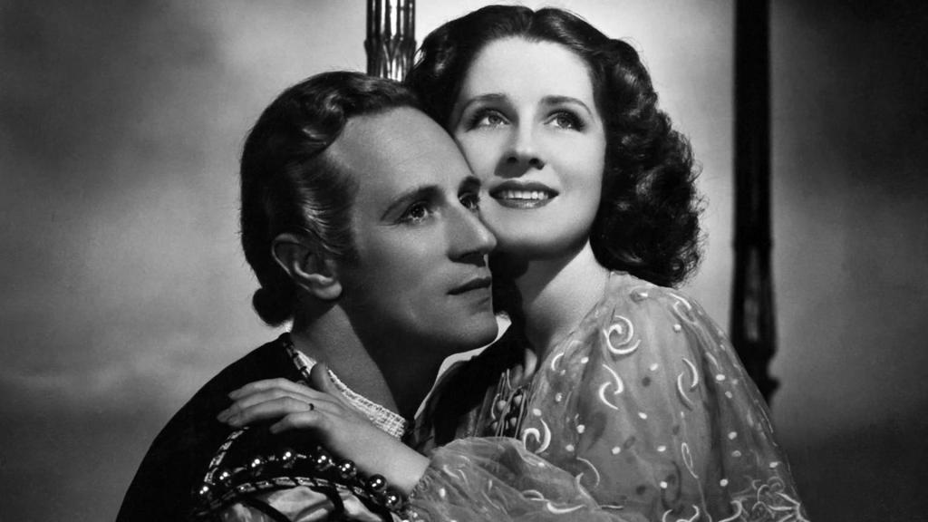 Publicity photo for Romeo and Juliet (1936) of Leslie Howard and Norma Shearer