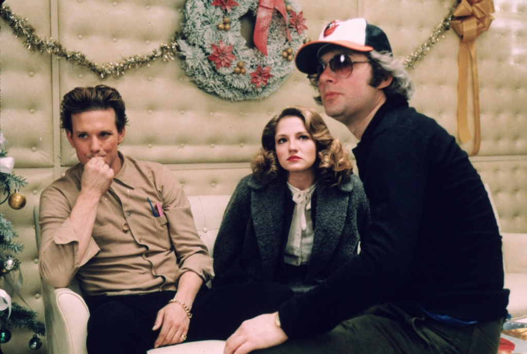 Barry Levinson, Ellen Barkin, and Mickey Rourke on the set of Diner.
